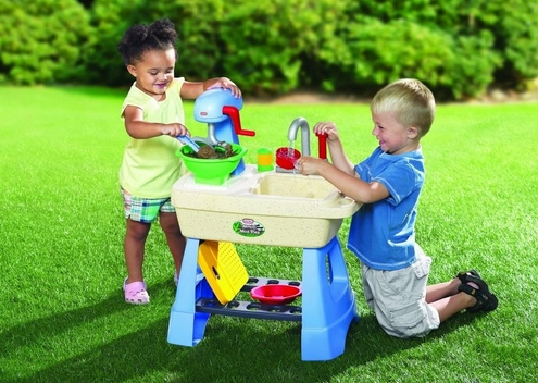 Superbe Here Is A Fun Little Outdoor Toy For Summer! You Can Get This Little Mudpie  Kitchen For $39.99 And That Includes Free Shipping.