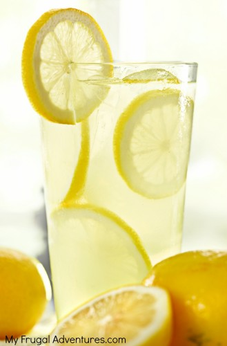 Perfect Fresh Squeezed Lemonade- this is amazing stuff!