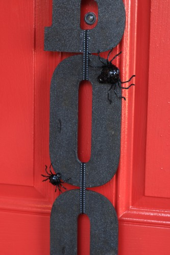 Quick and Easy Halloween Craft - Boo Front Door Sign