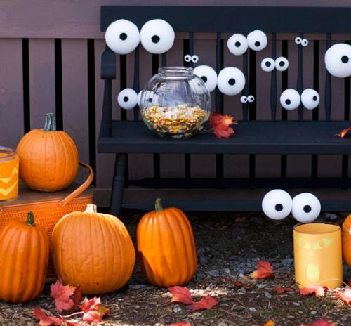 How to Make Glow in the Dark Googley Eyes {Halloween Craft Idea}
