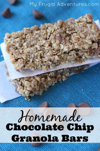 Homemade Chocolate Chip Granola Bars - so fast and absolutely delicious!
