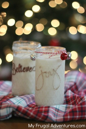 How to Make Homemade Soy Candles - so easy and such a pretty gift!