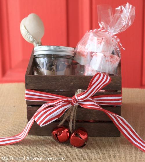 Homemade Peppermint Marshmallows - a perfect homemade gift