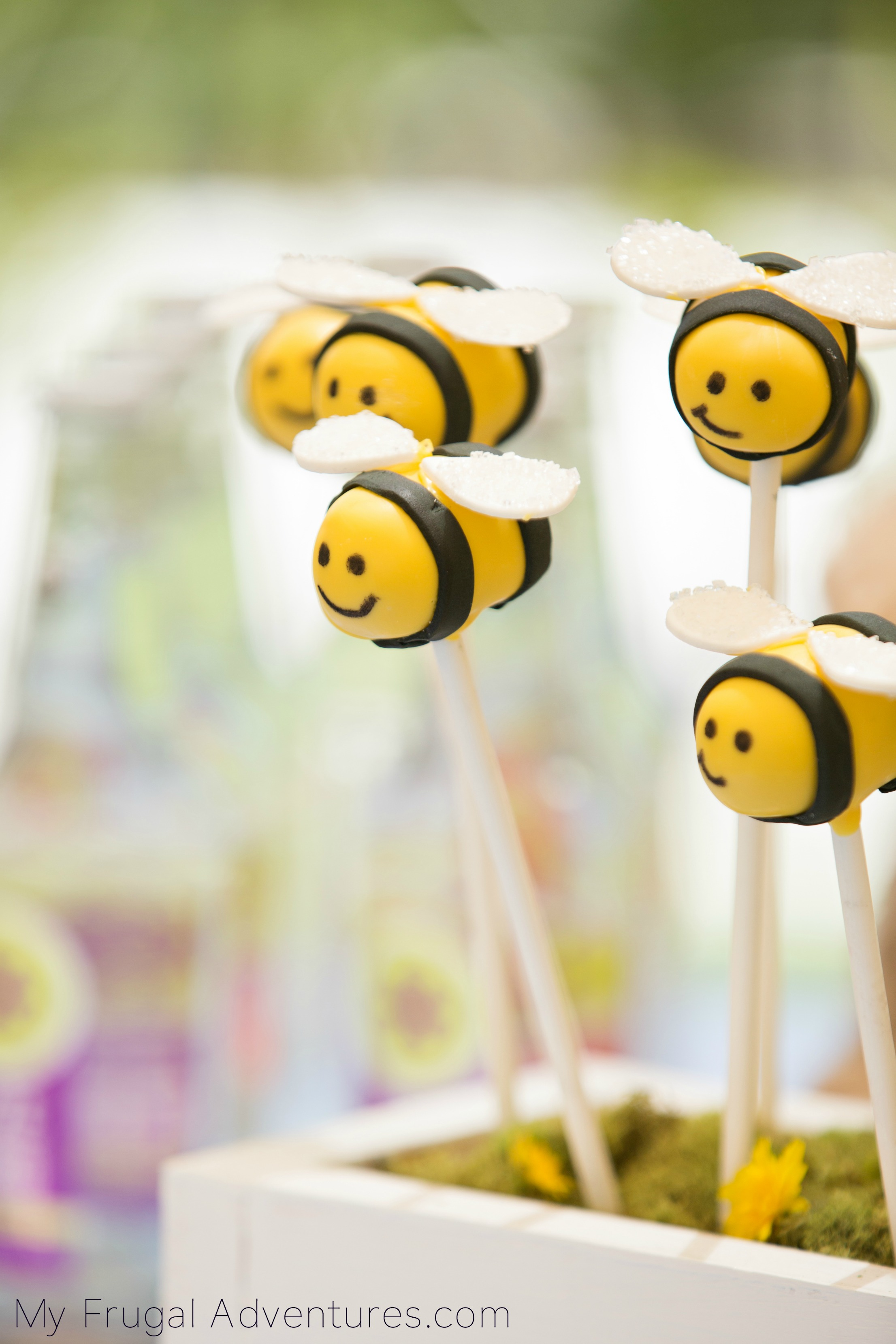 Bumblebee Cake Pops