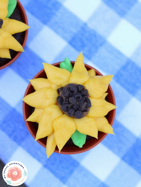 Sunflower Cupcake Recipe by My Frugal Adventures