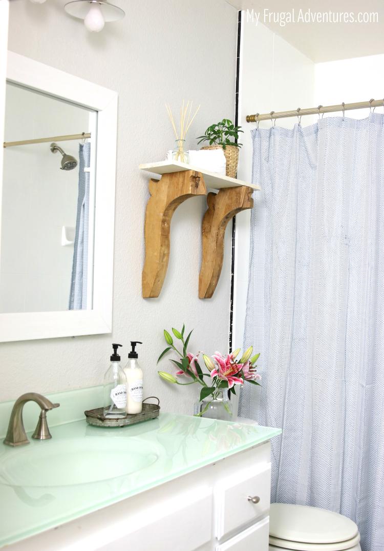 Updated Bathroom Decor