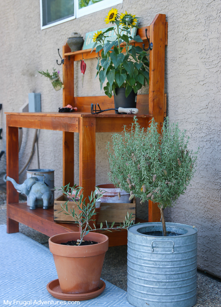 How to Build a Potting Bench 3