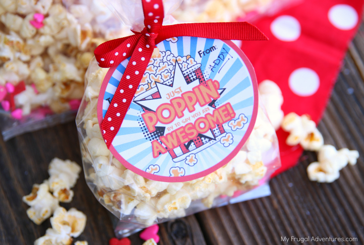 Free printable valentine on MyFrugalAdventures.com. Valentine with popcorn that says Just Poppin By to Say You Are Awesome. Perfect gender neutral free printable valentine.